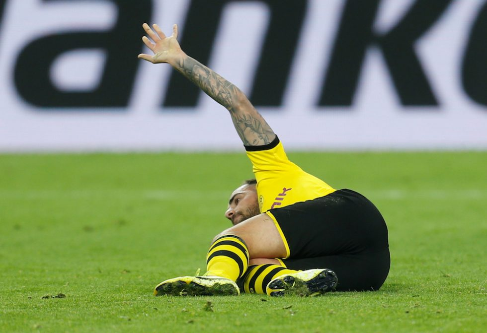 Paco Alcácer to miss Barcelona clash