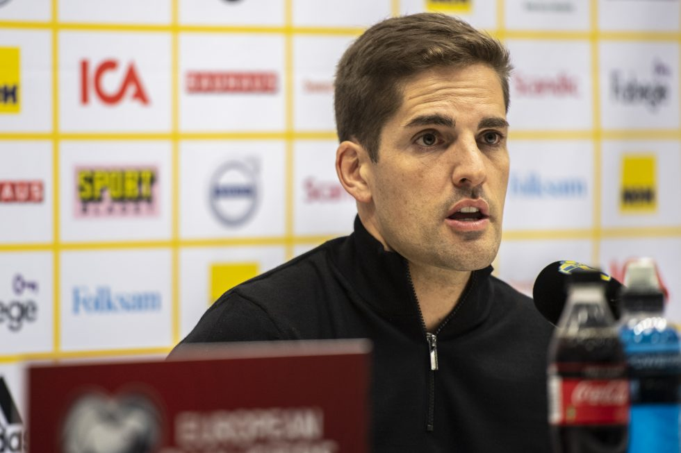Robert Moreno's lengthy statement after being replaced by former Barcelona boss for Spain job