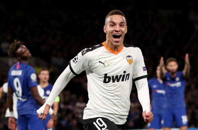 Barcelona in talks for loan deal for Valencia striker Rodrigo Moreno
