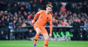 Erik Ten Hag Points Out Exactly How Barcelona Should Use De Jong