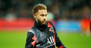 Neymar willing to take a pay cut to return to Barcelona