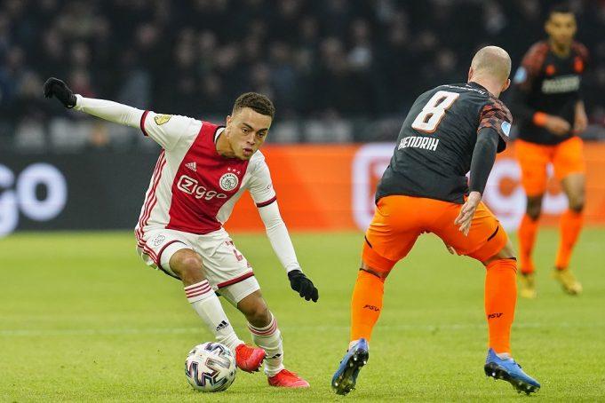 Barcelona Want Sergino Dest From Ajax